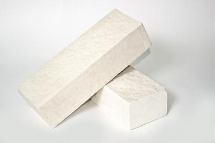 Кирпич лицевой колотый белый (435 шт)