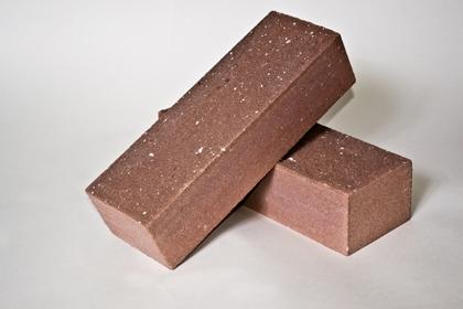 Кирпич лицевой колотый коричневый (435 шт)