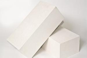 Кирпич силикатный полуторный лицевой полнотелый (белый)